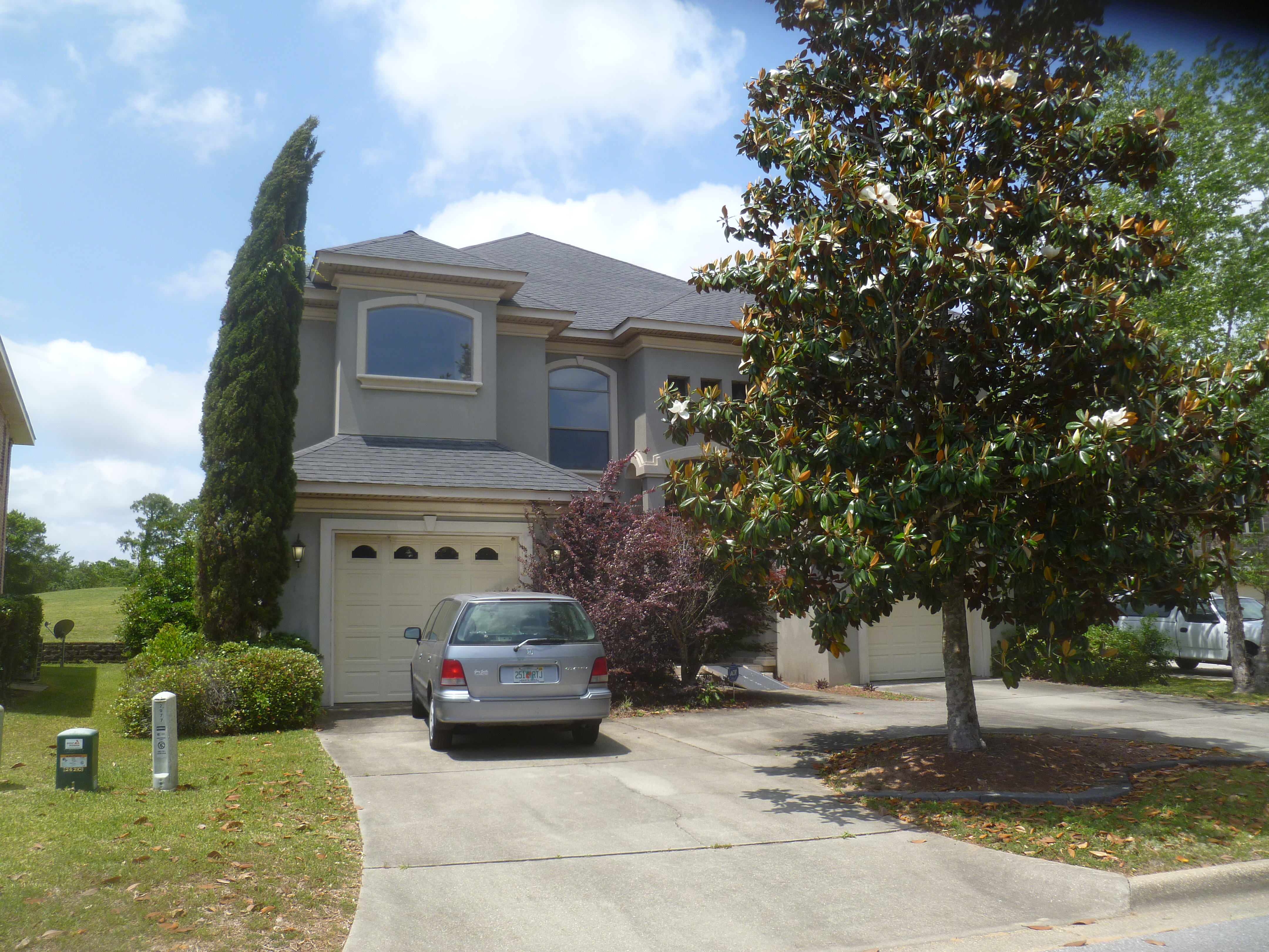 3BR, 3Bath Single Family residence with 2,768SF